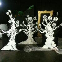 3 rose trees